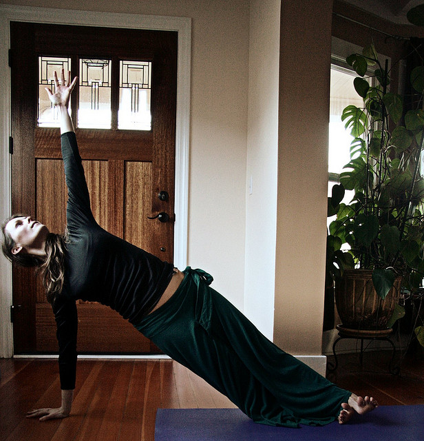 Samadhi Rush // Kelly Connor Sunrose Yoga// vasisthasana