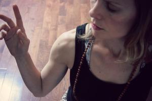 Sunrose Yoga Podcast// Online Yoga Class// Abhaya Mudra