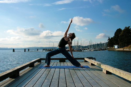 Sunrose Yoga Podcast// Online Yoga Class with Kelly Connor Sunrose// Reverse Warrior
