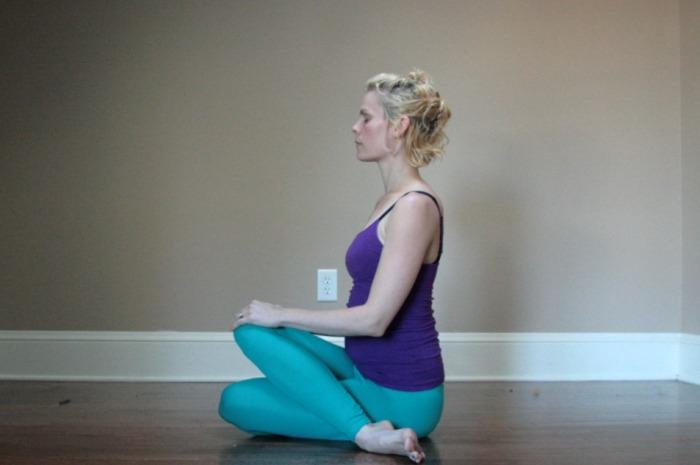 Samadhi Rush// Online Yoga with Kelly Sunrose// gomukhasana