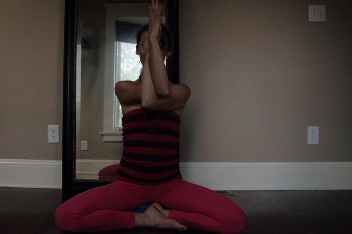 Samadhi Rush, Online Yoga with Kelly Sunrose// Garuda Arms