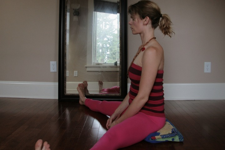 Kelly Connor Sunrose Yoga// wide legged seat