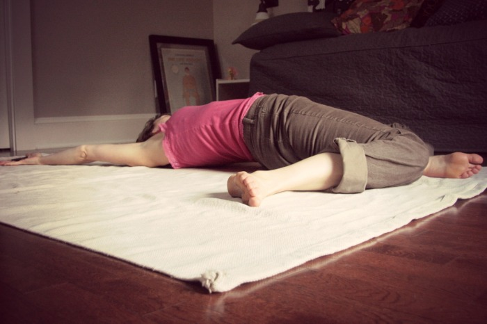 Kelly Connor Sunrose Yoga// Online Yoga Class// Windshield wipers