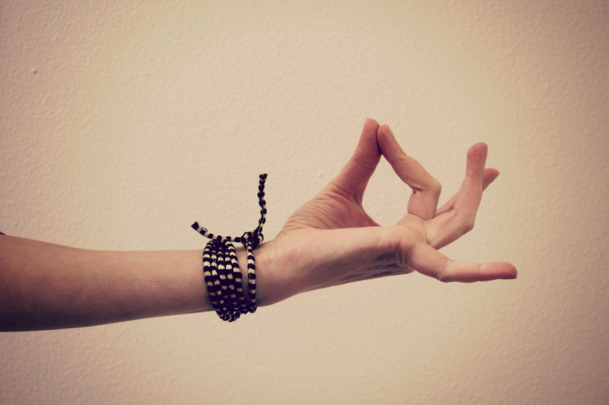 Kelly Connor Sunrose Yoga// jnana mudra