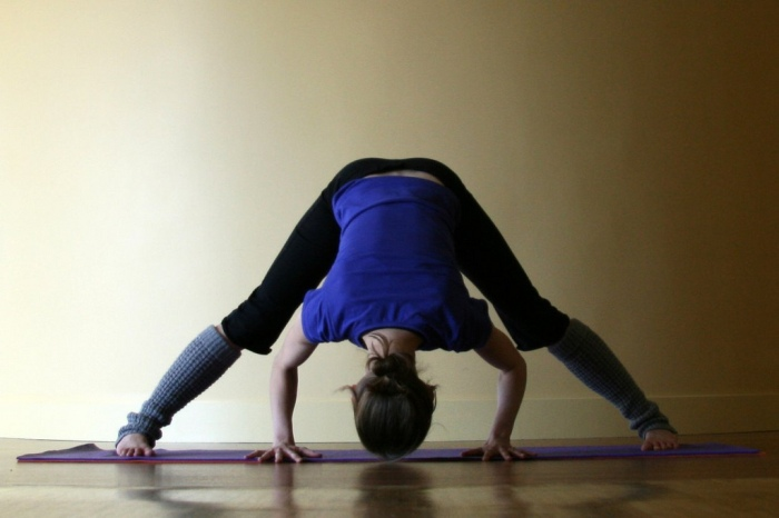 Wide-legged forward fold// hatha yoga