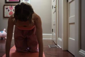 Kelly Sunrose Yoga// Online Yoga Classes// Chakravakasana