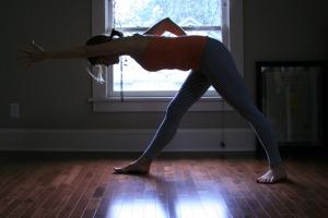 Sunrose Yoga Podcast// Free Online Yoga with Kelly Connor Sunrose// parsvottanasana