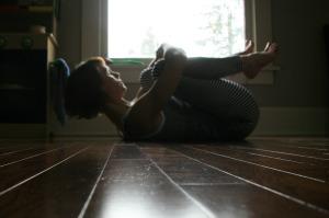 Samadhi Rush// Kelly Sunrose Yoga// Online Yoga Practice// Apanasana