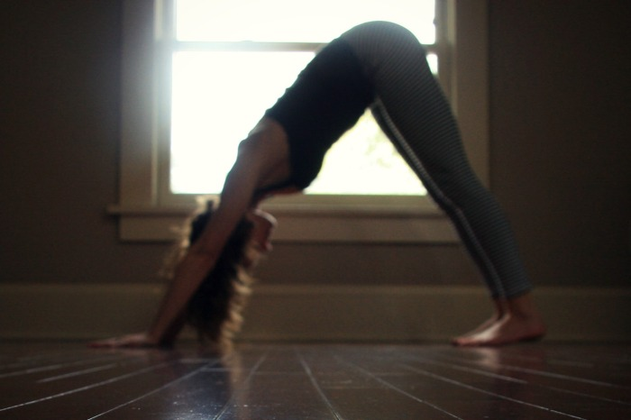Samadhi Rush// Online Yoga Class with Kelly Sunrose, E-RYT// Adho Mukha Svanasana// Downward Dog