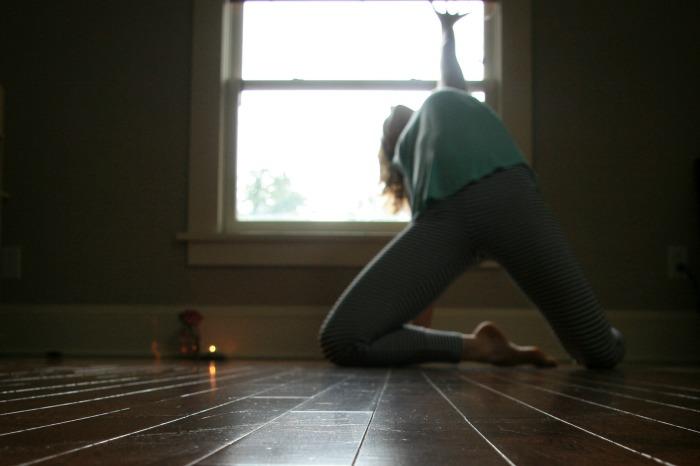 Kelly Sunrose Yoga// Samadhi Rush// Online Yoga// Martha Graham Pose