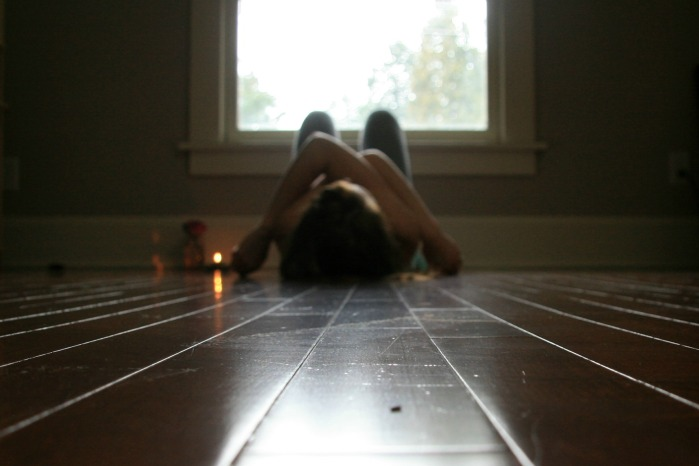 Shoulder opening yoga// hug yourself