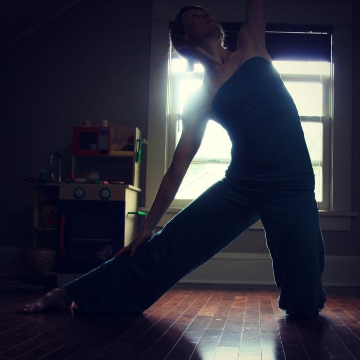 The 5-Pose Practice with Kelly Sunrose// Samadhi Rush