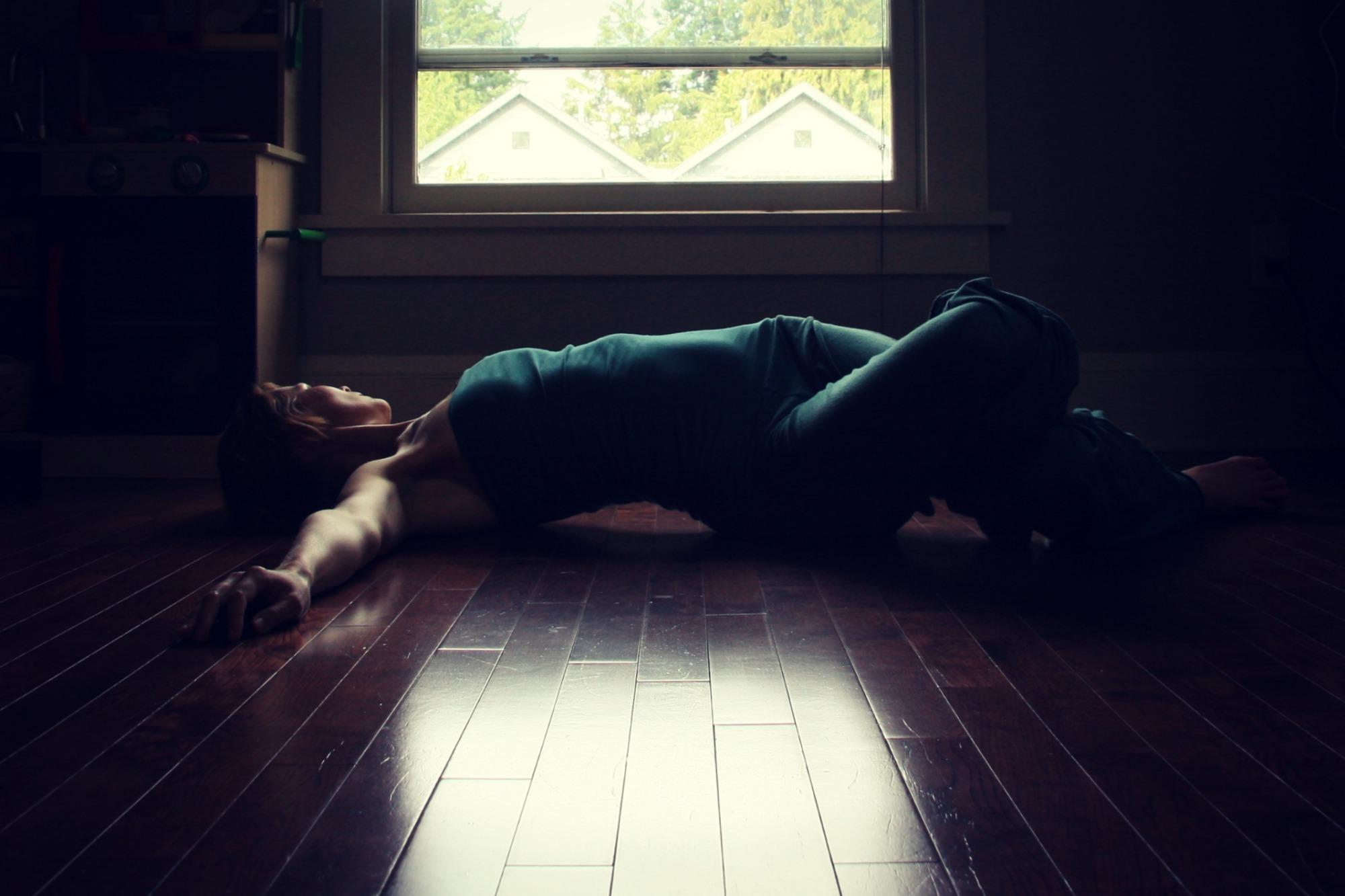 5-Pose Practice with Kelly Sunrose// Samadhi Rush